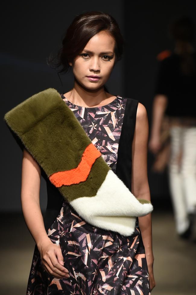 Trong một diễn biến khác: Ngọc Châu Next Top là mẫu Việt đầu tiên trình diễn tại Seoul Fashion Week - Ảnh 2.