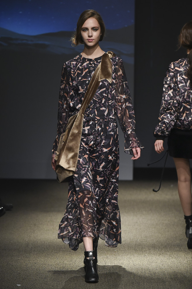 Trong một diễn biến khác: Ngọc Châu Next Top là mẫu Việt đầu tiên trình diễn tại Seoul Fashion Week - Ảnh 10.