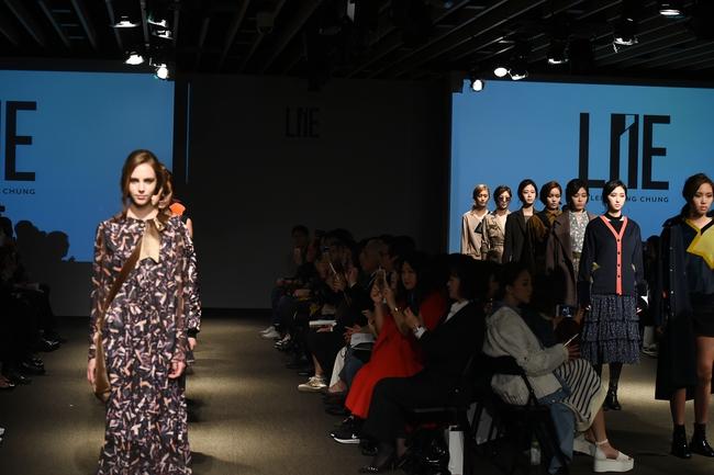 Trong một diễn biến khác: Ngọc Châu Next Top là mẫu Việt đầu tiên trình diễn tại Seoul Fashion Week - Ảnh 11.
