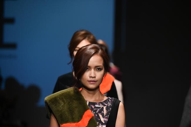 Trong một diễn biến khác: Ngọc Châu Next Top là mẫu Việt đầu tiên trình diễn tại Seoul Fashion Week - Ảnh 3.