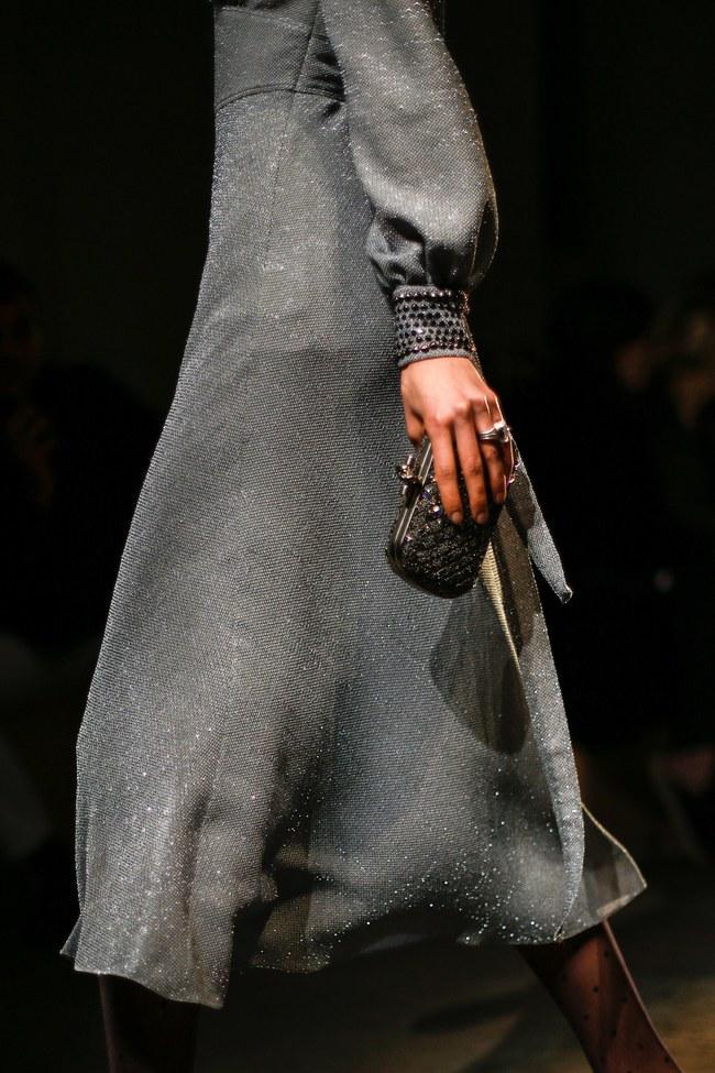 Tuần lễ thời trang Milan: Chiêm ngưỡng để biết cổ tích đôi khi có thật! - Ảnh 34.