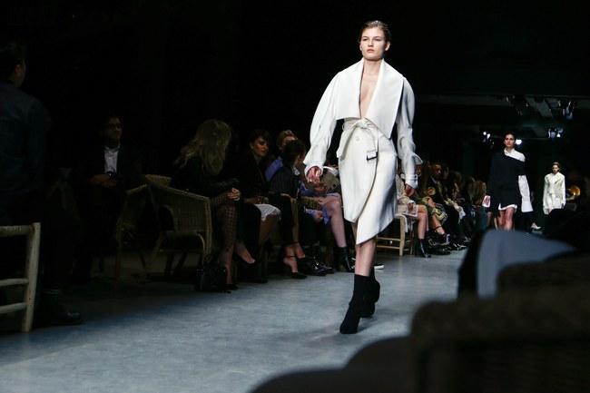 5 BST như minh chứng cho thấy Tuần lễ thời trang London chẳng chán tẹo nào! - Ảnh 17.