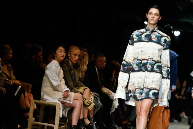 5 BST như minh chứng cho thấy Tuần lễ thời trang London chẳng chán tẹo nào! - Ảnh 21.