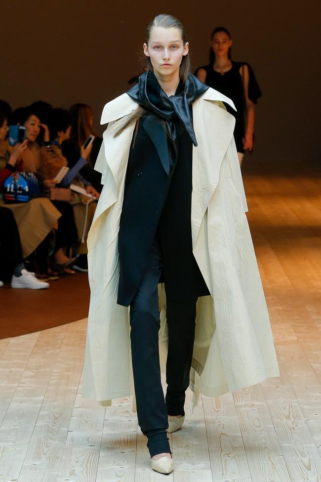 Đúng dự đoán, Dior out khỏi Top những bộ sưu tập xuất sắc nhất Tuần lễ thời trang Paris - Ảnh 41.