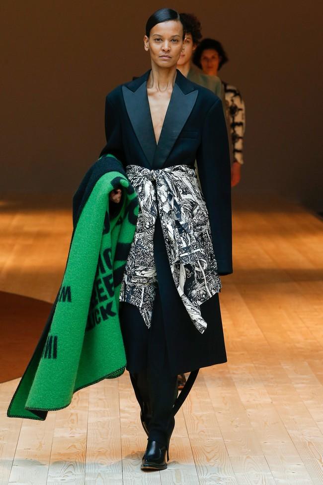Đúng dự đoán, Dior out khỏi Top những bộ sưu tập xuất sắc nhất Tuần lễ thời trang Paris - Ảnh 44.
