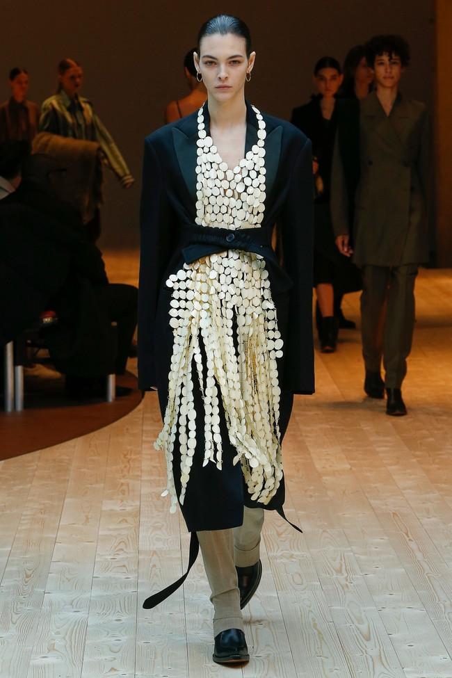 Đúng dự đoán, Dior out khỏi Top những bộ sưu tập xuất sắc nhất Tuần lễ thời trang Paris - Ảnh 46.