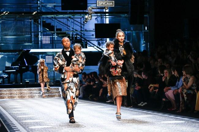 Tuần lễ thời trang Milan: Chiêm ngưỡng để biết cổ tích đôi khi có thật! - Ảnh 19.