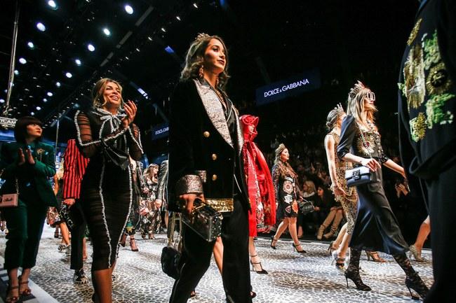 Tuần lễ thời trang Milan: Chiêm ngưỡng để biết cổ tích đôi khi có thật! - Ảnh 26.