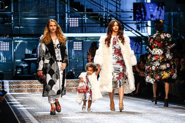 Tuần lễ thời trang Milan: Chiêm ngưỡng để biết cổ tích đôi khi có thật! - Ảnh 27.