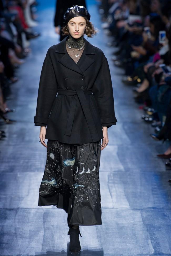 NTK Đỗ Mạnh Cường và giới mộ điệu Việt chê ỏng chê eo BST mới nhất của Dior - Ảnh 17.