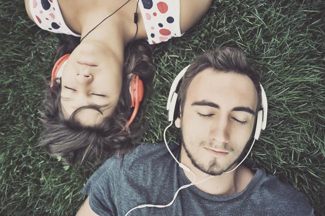 Để bảo vệ đôi tai của bạn, hãy làm ngay 5 điều này khi nghe nhạc trên smartphone - Ảnh 4.