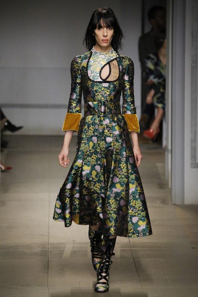 5 BST như minh chứng cho thấy Tuần lễ thời trang London chẳng chán tẹo nào! - Ảnh 22.