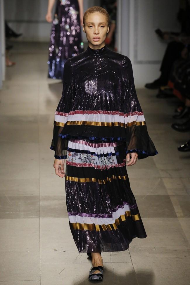 5 BST như minh chứng cho thấy Tuần lễ thời trang London chẳng chán tẹo nào! - Ảnh 25.
