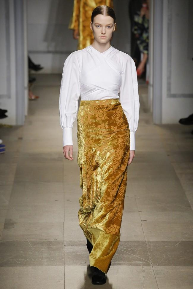 5 BST như minh chứng cho thấy Tuần lễ thời trang London chẳng chán tẹo nào! - Ảnh 26.
