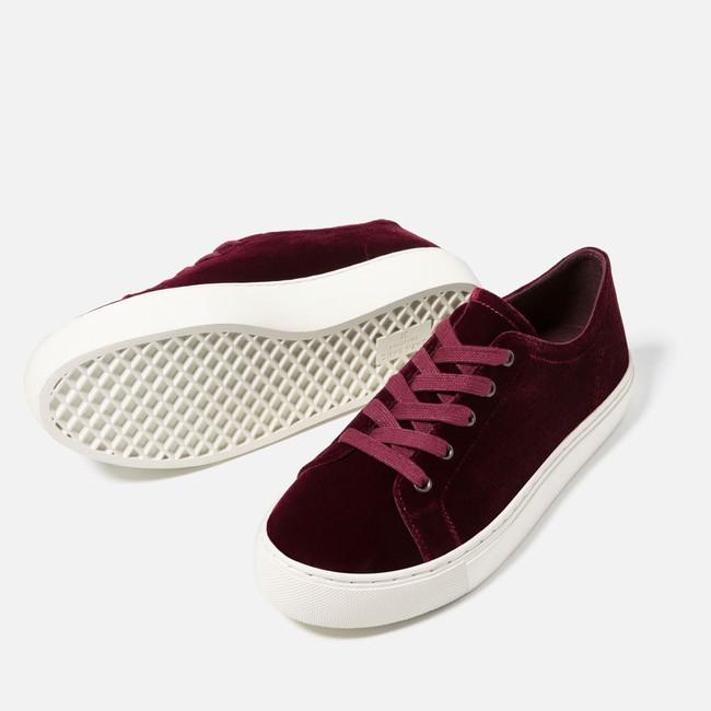 Tết phải sắm ngay vài đôi giày đỏ như thế này mới chất - Ảnh 5.