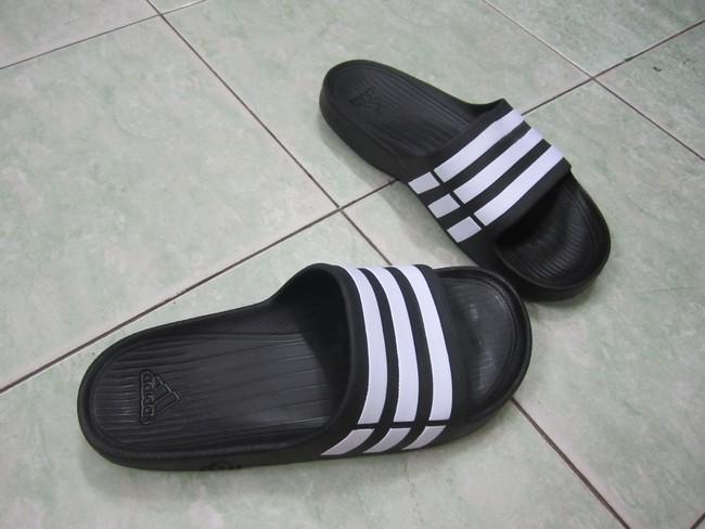 Trước khi giày ngoại tràn vào, thiên hạ này vẫn là của sandal Bitis và giày Bata - Ảnh 17.