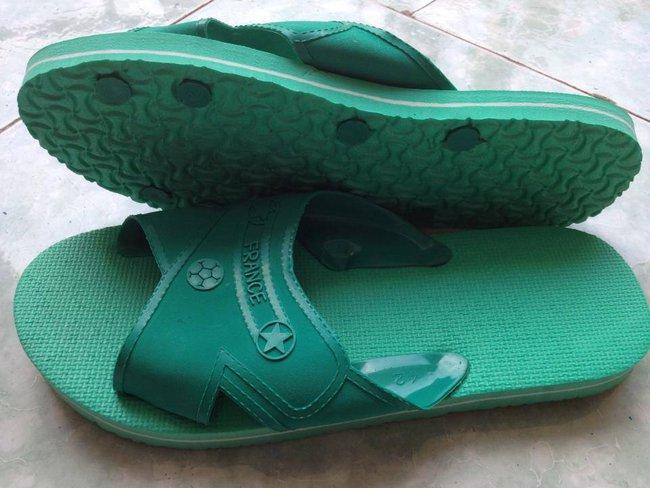 Trước khi giày ngoại tràn vào, thiên hạ này vẫn là của sandal Bitis và giày Bata - Ảnh 14.