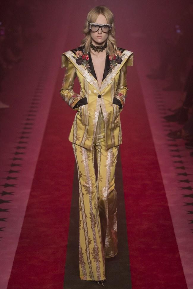 HOT: Hồ Ngọc Hà diện đồ sexy giá hàng trăm triệu, vui tươi tạo dáng bên Tom Hiddleston tại show Gucci - Ảnh 10.