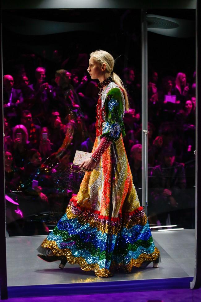 Tuần lễ thời trang Milan: Chiêm ngưỡng để biết cổ tích đôi khi có thật! - Ảnh 4.
