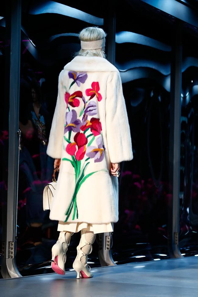 Tuần lễ thời trang Milan: Chiêm ngưỡng để biết cổ tích đôi khi có thật! - Ảnh 7.