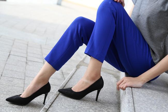 Chọn một đôi giày phù hợp để tự tin trên con đường chính mình - Ảnh 1.