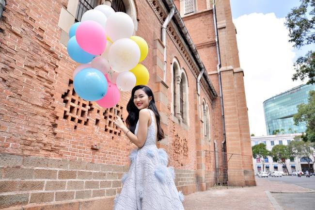 Không cứ là chân dài như Thanh Hằng mới đẹp hoàn hảo, nấm lùn như Châu Bùi, Fung La đã chứng minh điều đó - Ảnh 3.
