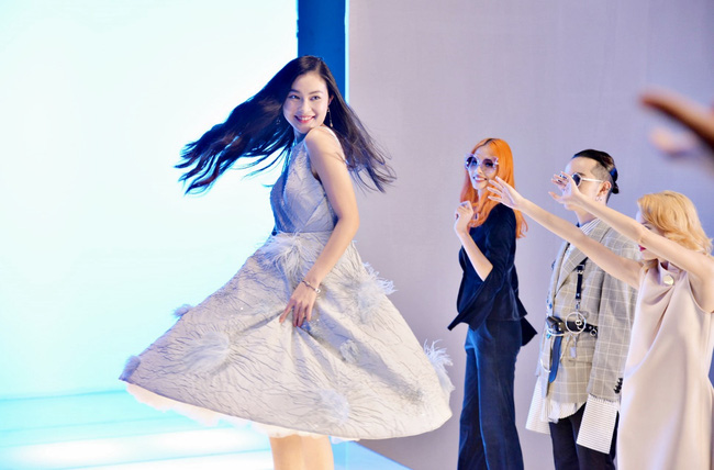 Không cứ là chân dài như Thanh Hằng mới đẹp hoàn hảo, nấm lùn như Châu Bùi, Fung La đã chứng minh điều đó - Ảnh 4.