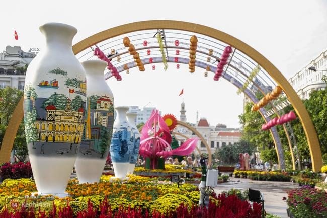 Ngắm nhìn những tiểu cảnh xinh xắn đang được trang trí tại đường hoa Nguyễn Huệ trước ngày khai mạc - Ảnh 11.