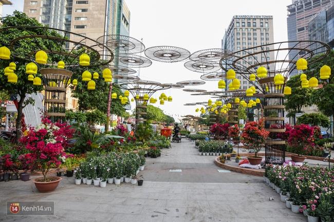 Ngắm nhìn những tiểu cảnh xinh xắn đang được trang trí tại đường hoa Nguyễn Huệ trước ngày khai mạc - Ảnh 13.