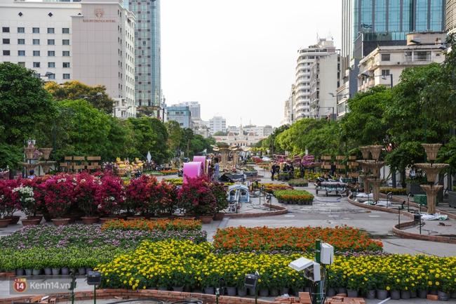 Ngắm nhìn những tiểu cảnh xinh xắn đang được trang trí tại đường hoa Nguyễn Huệ trước ngày khai mạc - Ảnh 20.