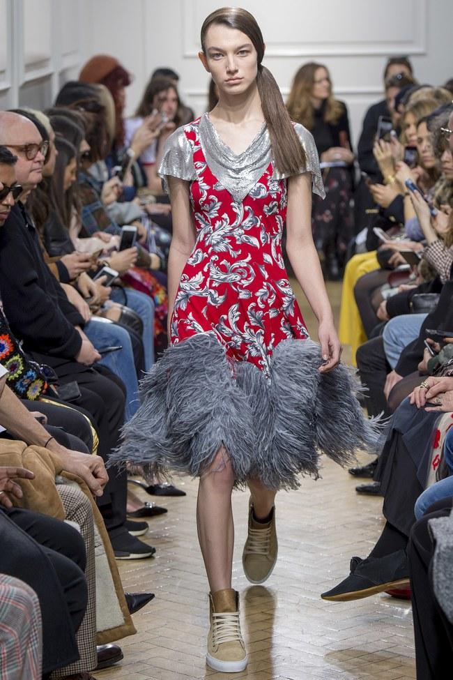 5 BST như minh chứng cho thấy Tuần lễ thời trang London chẳng chán tẹo nào! - Ảnh 3.
