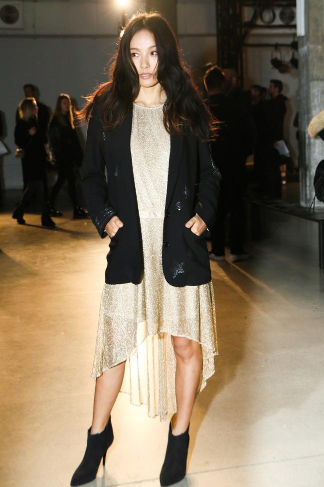 Lee Hyori bất ngờ xuất hiện ở New York Fashion Week, được khen ngợi hết lời vì siêu thần thái - Ảnh 4.