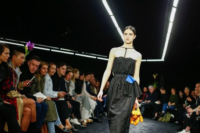 Đúng dự đoán, Dior out khỏi Top những bộ sưu tập xuất sắc nhất Tuần lễ thời trang Paris - Ảnh 35.