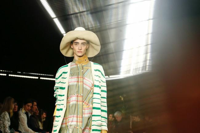 Đúng dự đoán, Dior out khỏi Top những bộ sưu tập xuất sắc nhất Tuần lễ thời trang Paris - Ảnh 38.