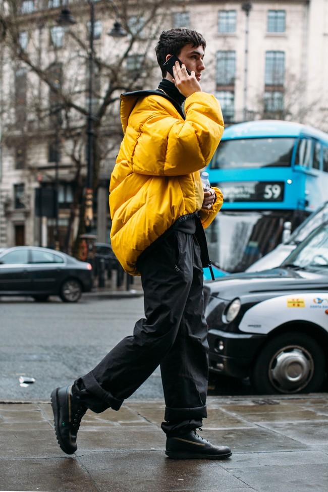 Tuần lễ thời trang nam: Nơi street style trở thành cái cớ để phái mạnh chặt chém nhau hết mình - Ảnh 12.