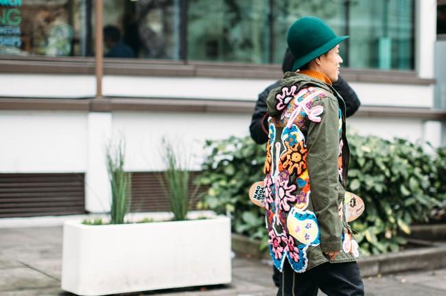 Tuần lễ thời trang nam: Nơi street style trở thành cái cớ để phái mạnh chặt chém nhau hết mình - Ảnh 2.
