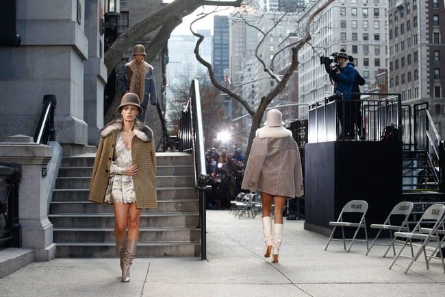 Mở mang tầm mắt với 8 BST không-thể-không-xem của Tuần lễ thời trang New York - Ảnh 1.