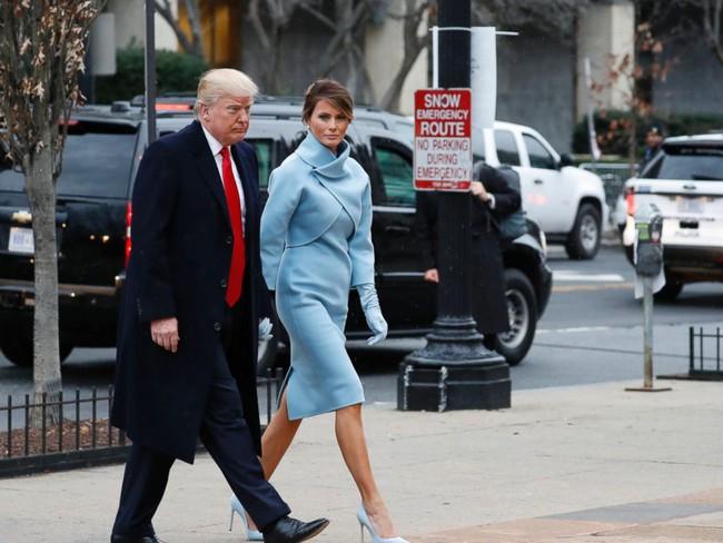 Trong lễ nhậm chức, bà Trump đã xào ngay phong cách thời trang của hai cựu Đệ nhất phu nhân! - Ảnh 1.