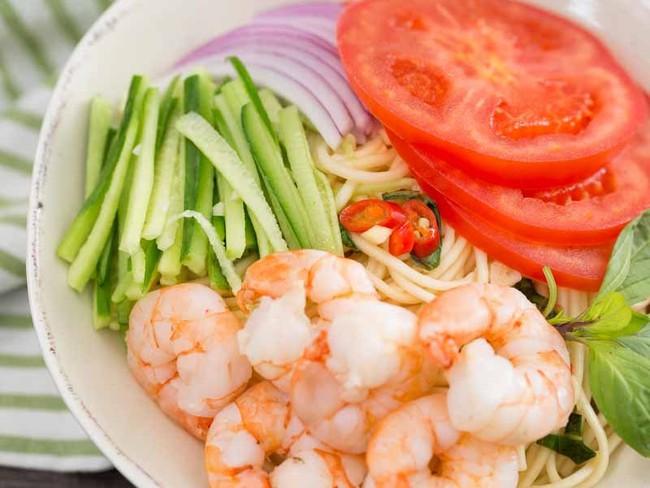 Mì lạnh kiểu Thái cực dễ làm cho bữa trưa ngày nóng - Ảnh 8.