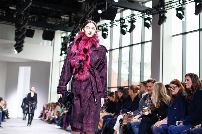 Mở mang tầm mắt với 8 BST không-thể-không-xem của Tuần lễ thời trang New York - Ảnh 13.