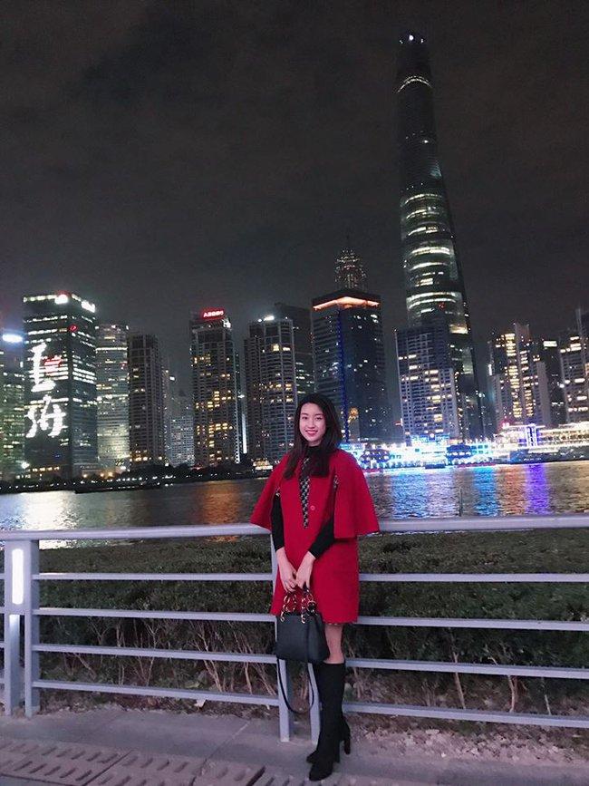 Đăng quang gần nửa năm, cả gia tài hàng hiệu của Hoa hậu Mỹ Linh vẫn chỉ vỏn vẹn... 2 chiếc túi - Ảnh 3.