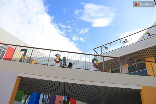 Không cần đi đâu xa xôi, Việt Nam cũng có rất nhiều ngôi trường với kiến trúc siêu ấn tượng! - Ảnh 12.