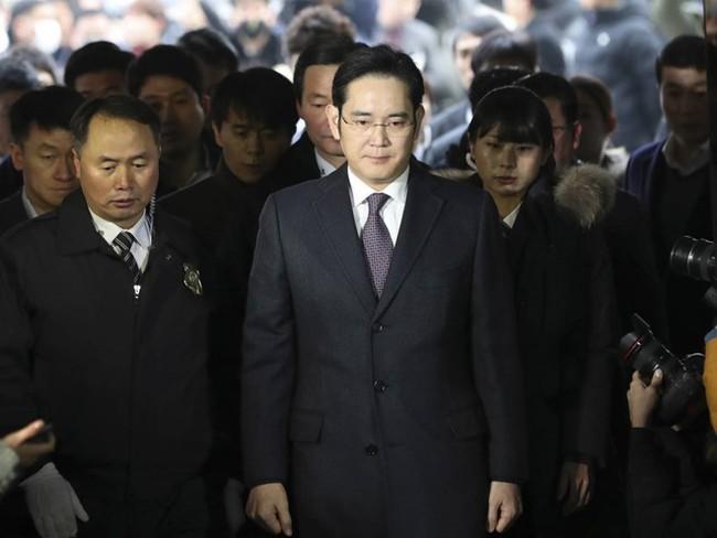 Thái tử Samsung: Cú vấp ngã trước ngưỡng cửa quyền lực - Ảnh 1.
