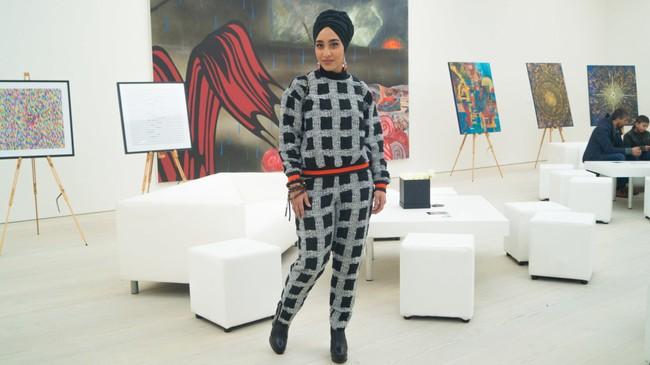 Nếu bạn thắc mắc phụ nữ Hồi giáo mặc gì đi dự Fashion Week, thì đây là giải đáp cho bạn - Ảnh 8.