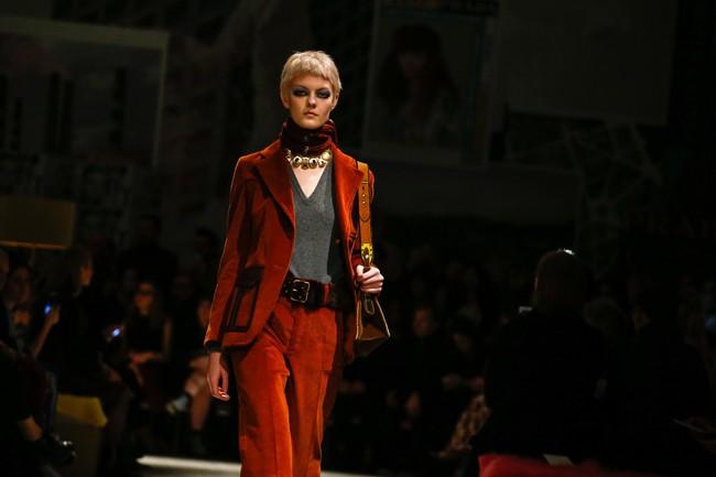 Tuần lễ thời trang Milan: Chiêm ngưỡng để biết cổ tích đôi khi có thật! - Ảnh 12.