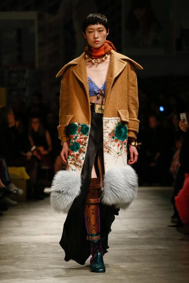Tuần lễ thời trang Milan: Chiêm ngưỡng để biết cổ tích đôi khi có thật! - Ảnh 17.