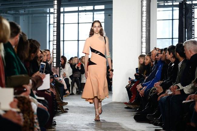 Mở mang tầm mắt với 8 BST không-thể-không-xem của Tuần lễ thời trang New York - Ảnh 20.