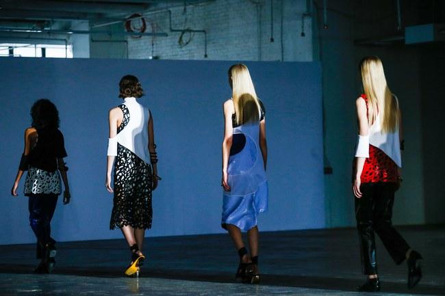 Mở mang tầm mắt với 8 BST không-thể-không-xem của Tuần lễ thời trang New York - Ảnh 24.