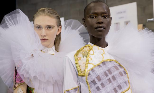 Tuần lễ Haute Couture: Nếu đời là một giấc mơ thì cứ mong mộng mị mãi đẹp thế! - Ảnh 12.