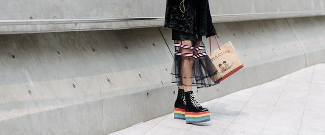 Seoul Fashion Week: nơi duy nhất mà street style phái mạnh trưng trổ đè bẹp cả cánh chị em! - Ảnh 32.